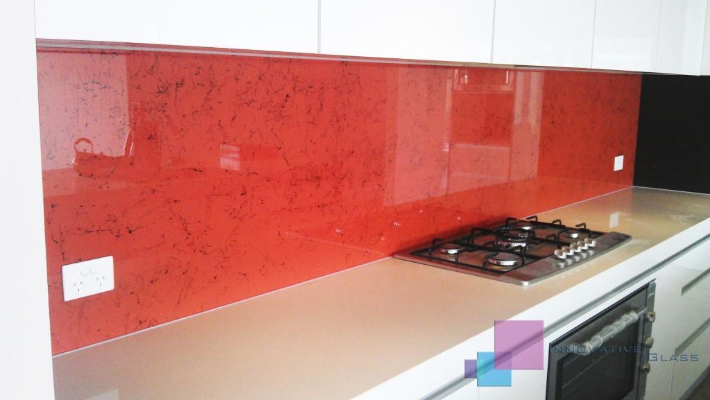 stiklas-virtuvėje-stiklopasaulis-lt