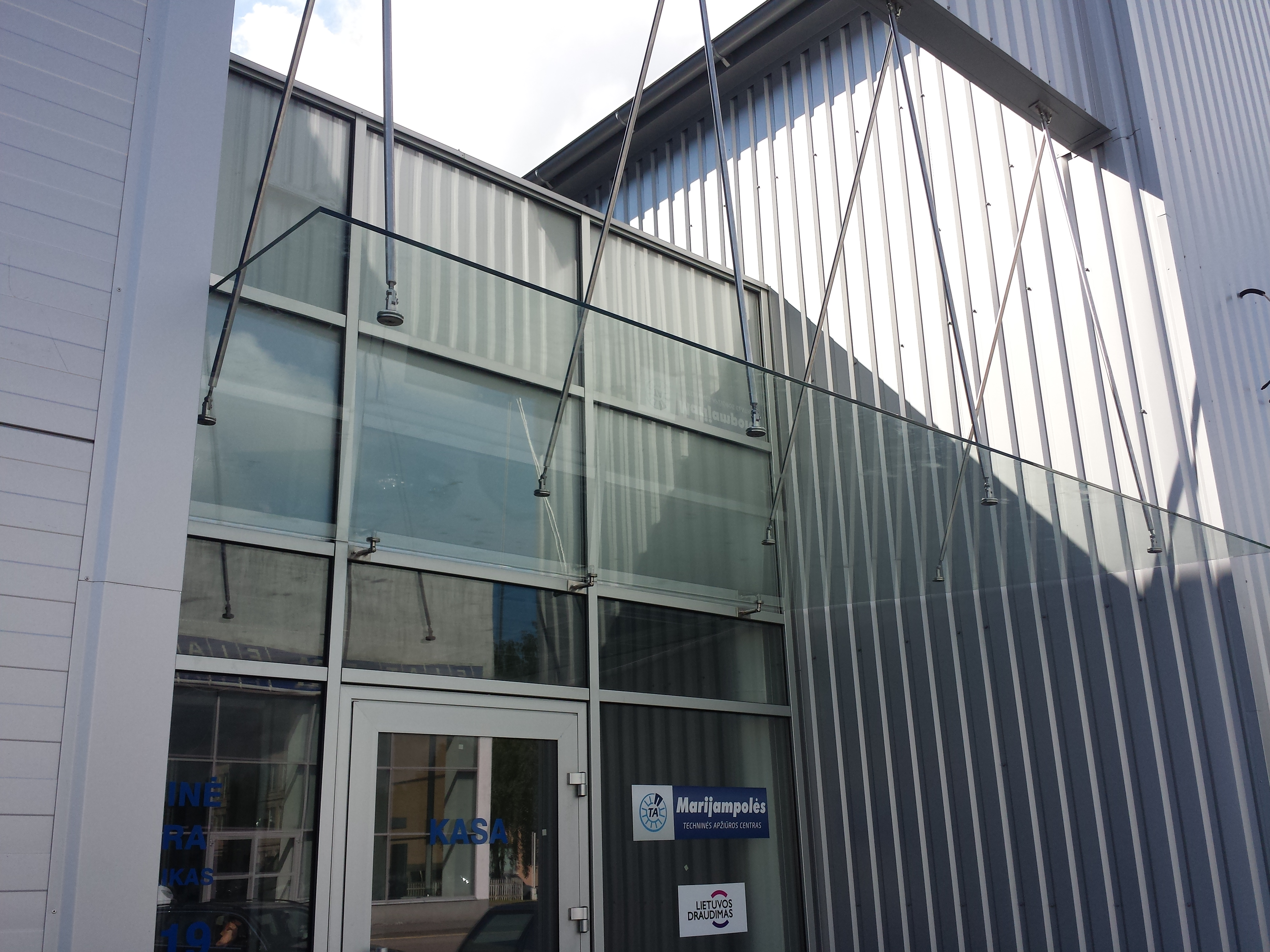 stiklinis-stogelis-stiklopasaulis-lt