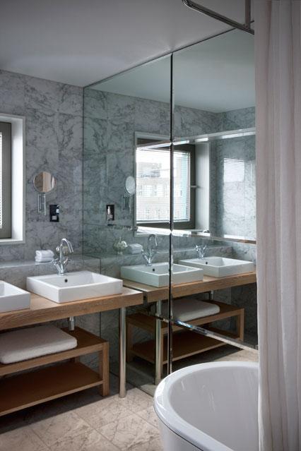 vonia-stiklopasaulis-lt